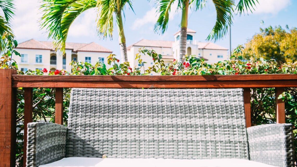 Polyrattan loungesæt – Flotte og funktionelle loungesæt som er lette at vedligeholde